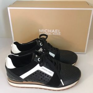 🇨🇦 Michael Kors Sneakers Embossed Leather Size 7